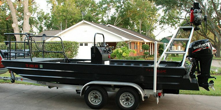 Flounder gigging boat, 2009 Boat.... F & F 1980 (80 inch wide bottom)